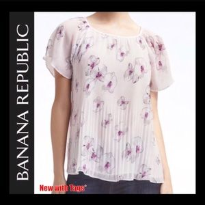 Banana Republic NWT Easy Care Pleated Top in S